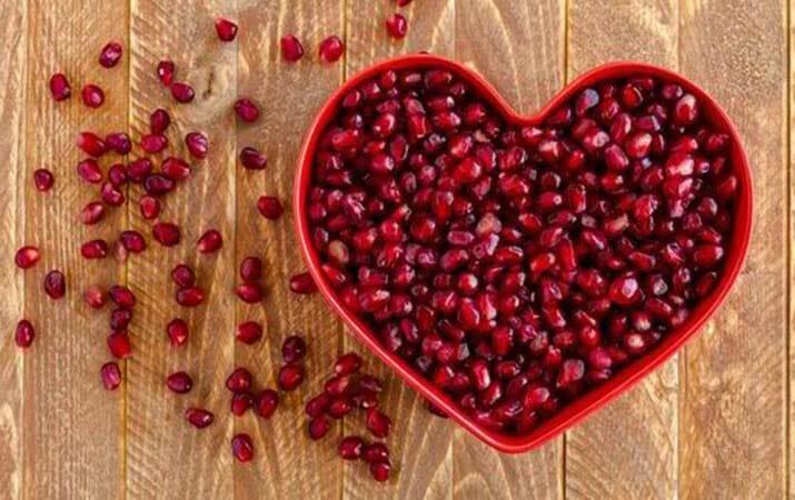 6 Manfaat Buah Delima Merah